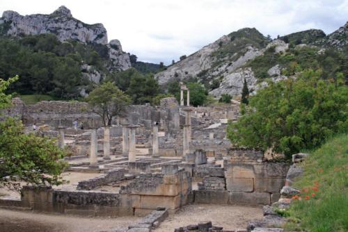 Saint-Rémy-de-Provence - Glanum from north 2-min