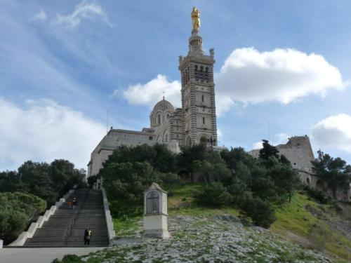 the-good-mother-church-in-marseille-france-min